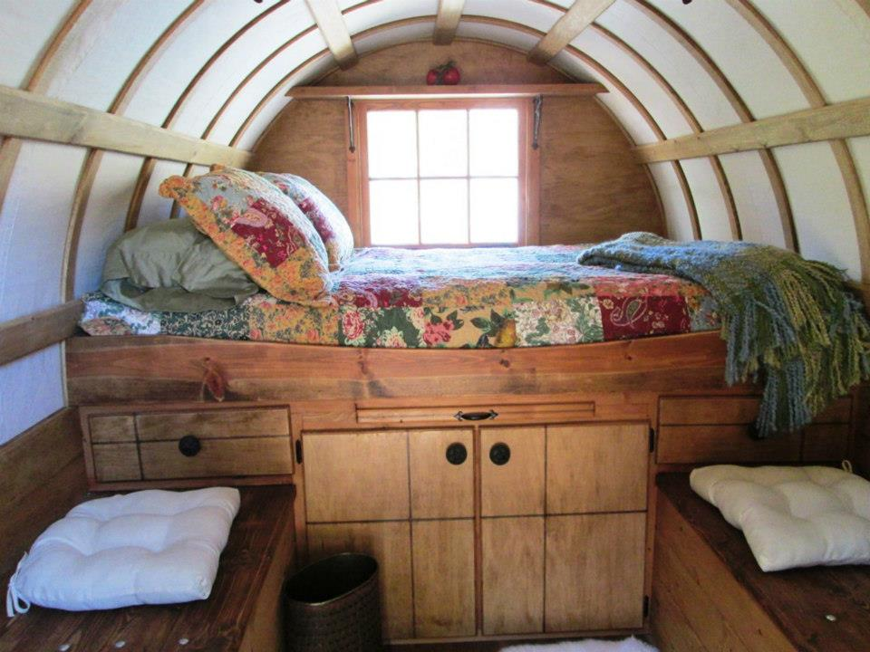 wagon-interior